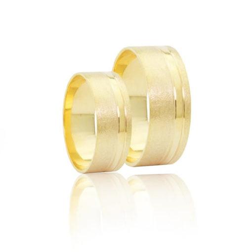 Par de Alianças em Ouro 18k +/- 10 gramas 7mm de largura – Quadrada Trabalhada